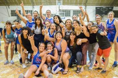 Dale campeón gritaron las chicas de Guillermo Brown tras coronarse por primera vez en el básquet local.