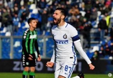 Inter logró un gran triunfo en su visita al Sassuolo. Candreva marcó el único gol del partido.