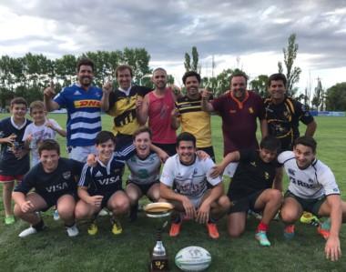 """El equipo de """"Drink Team"""", conformado por actuales y ex jugadores de Patoruzú RC, ganó la Copa de Oro."""