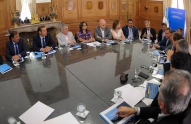 Das Neves en la reunión de gobernadores con Frigerio donde se consensuó el proyecto de Ganancias.