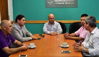 El intendente reunido con las autoridades de la División en Madryn.