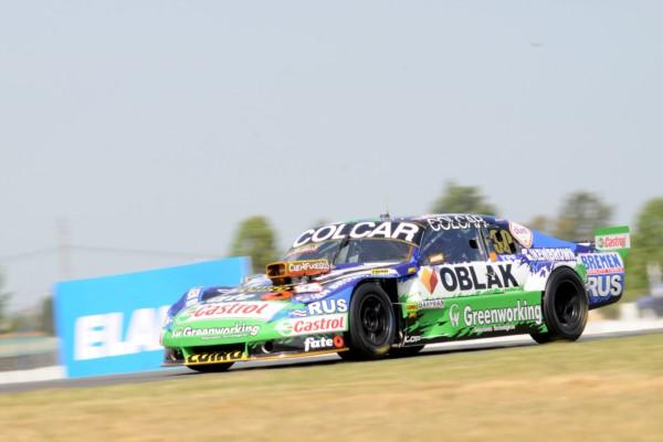 Mazzacane logró la pole y Rossi quedó segundo.