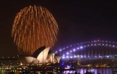 La opera y el puente en la bahía de Sidney, un clásico de cada año nuevo. Foto EPA