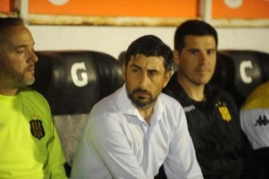 Cristian Díaz ya no es más el entrenador de Olimpo.