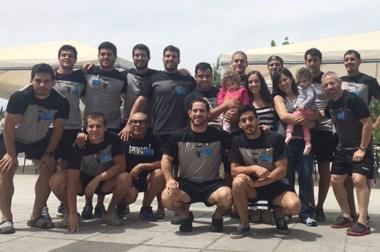 Solidarios. El equipo de Tehuelches, antes de ir a Paraná, visitó a chicos de Trelew en el hospital Fleming.