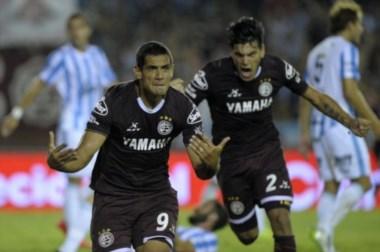 Sand quedo a un gol de igualar a Osvaldo R.Gil y arremete para colocarse entre los maximos goleadores de Lanus.
