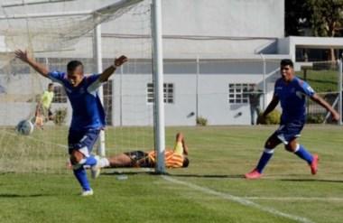 La CAI facturó su primera victoria. Matías Vargas (foto), y Jair Córdoba por dos, anotaron para el local.