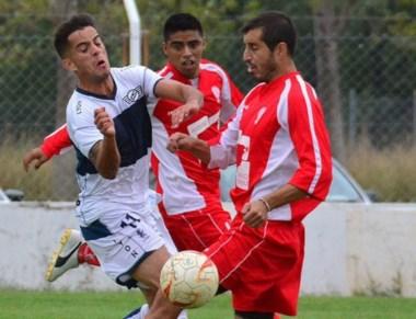 Diego Jara fue impasable. Le aseguró el tercer empate en fila a Huracán.