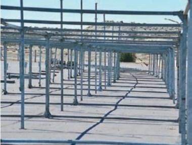 Las estructuras metálicas comienzan a darle color al sector de boxes.