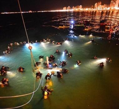 El Vía Crucis submarino atrae turistas de distintos lugares del país y del mundo.