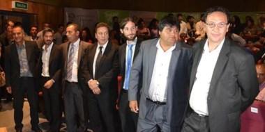 En fila. Maderna, en la foto junto a todo su equipo de gabinete, aún no anunció cuáles serán los cambios.