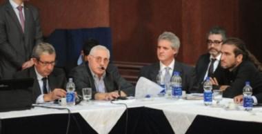 El historiador de la economía Mario Rapoport, durante su exposición.