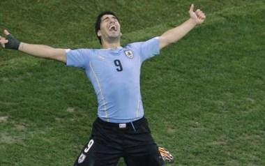 Luis Suárez regresa a Uruguay tras casi dos años para chocar ante Brasil y Perú.