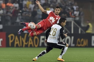 En un partido cerrado, Corinthians sumó su segunda victoria consecutiva en la Copa.