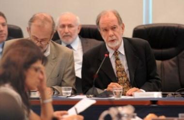 Javier González Fraga es un economista muy cercano al ministro Prat Gay. Más atrás, Blejer, ex directivo del FMI.