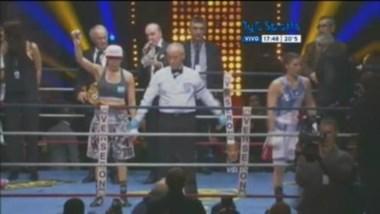 Ana Laura Esteche retuvo su cinturón 140 AMB ante Farida El Hadrati en 10 asaltos