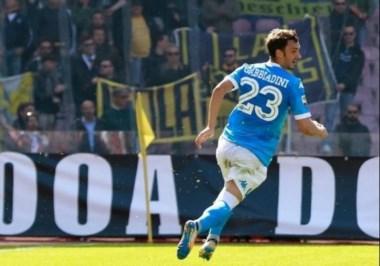 Triunfar y seguir en la pelea, el deseo de Napoli ante Bologna.