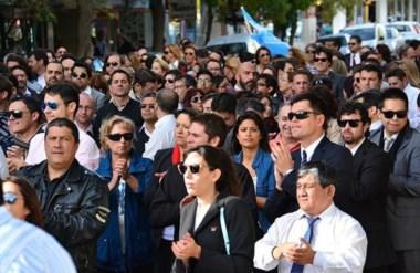 Protesta masiva. En Trelew la queja de los bancarios obligó a cortar algunas calles y no hubo atención.