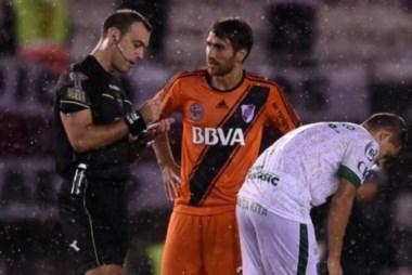 Ponzio recibió dos fechas de suspensión tras la roja que recibió ante Sarmiento.