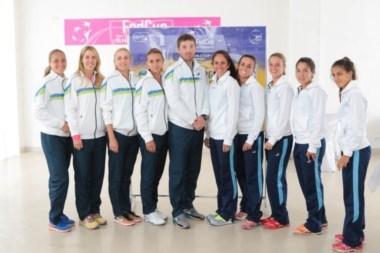 Los equipos de Ucrania y Argentina en la previa al inicio de la serie ne Kiev.