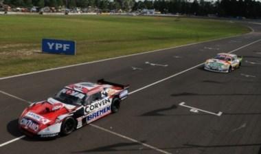 Después de largar 3ro la final, Rossi pudo pasar a Trucco y Ortelli para quedarse con la victoria.