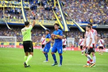Dos fechas por la expulsión en el Superclásico y hoy entra por Chávez ante Cerro Porteño, que está con una molestia.
