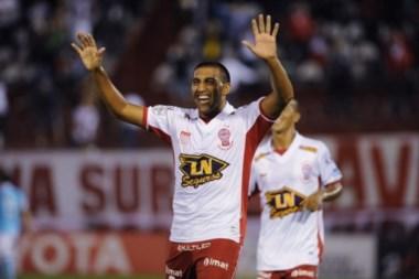 Wanchope Ábila hizo el 50% de los goles de Huracán en lo que va del 2016.
