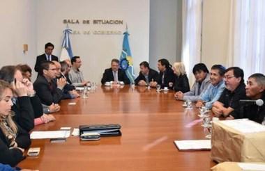 El intendente Adrián Maderna estuvo presente en Rawson durante la apertura de licitación de las casas.