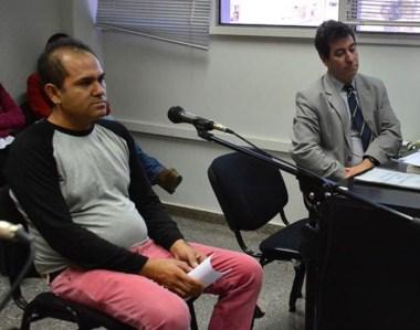El padre del nene grave ante el juez Piñeda. Respondió preguntas del fiscal Heiber y la defensora Rowlands.