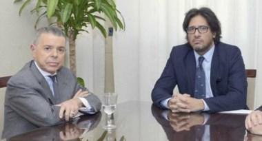 Rostros circunspectos. El ex magistrado bailarín y el ministro de Justicia Germán Garavano.