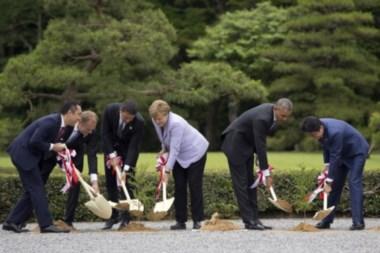 Un momento relajado de la importante cumbre en el Extremo Oriente.
