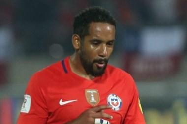 Jean Beausejour tiene un ofrecimiento del Benfica q complicaría su llegada a Boca.