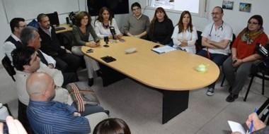 Conferencia. Los sectores públicos y privados se juntaron para una respuesta institucional al pediatra.