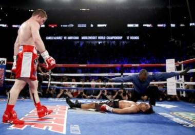Un derechazo letal mantiene campeón a Canelo Álvarez.