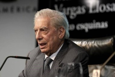 Vargas LLosa estuvo a punto de ser presidente de Perú, pero Fujimori lo frustró.