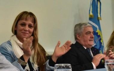 Joanna Peralta junto al gobernador Das Neves.