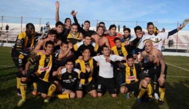 El Aurinegro se dio el gusto de festejar el título de la Liga del Valle con una final ganada de visitante.