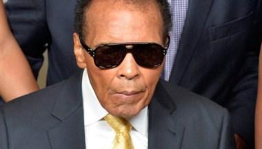 Muhammad Ali fue hospitalizado por afección respiratoria.
