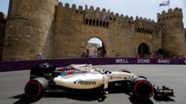 El Williams de Massa en  Baku. Le cambiaron las cuatro ruedas en menos de 2 segundos