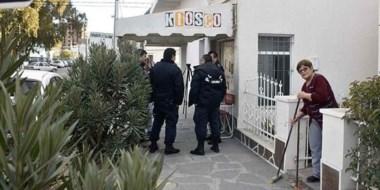 El kiosco recién comenzaba con su actividad comercial cuando fue asaltado por dos motochorros.