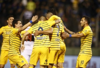 Ganando ritmo. Boca superó 2-0 a Olimpia, en el primer amistoso del semestre.