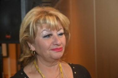 Ana Llanos dijo que fue a comprar un té descongestivo y cuando volvió ya habían votado