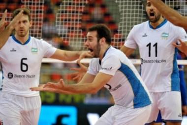 Luciano De Cecco y el grito final por una victoria enorme de Argentina frente al último campeón.