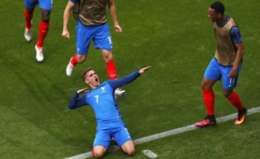 Antoine Griezmann celebra uno de sus goles ante Irlanda.