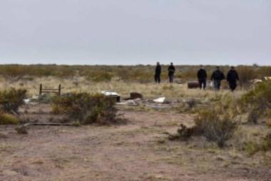 La policía rastrilló la escena del crimen. Allí apareció la soga con rastros genéticos del detenido y la víctima