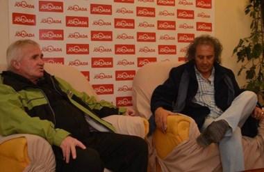 """Julio Thomas y Quique Behr realizaron la invitación a los seguidores del """"Rojinegro"""" por el Centenario."""