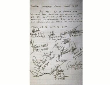 La nota con el pedido de reunión.