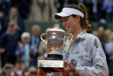 Muguruza vence a Williams y gana en Roland Garros su primer Grand Slam.