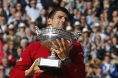 Djokovic se quitó la espina en su duodécima participación en París y después de haber perdido en tres finales.