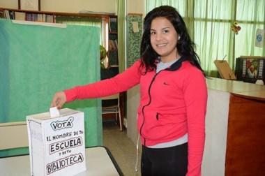 Los alumnos participaron activamente de la elección que se desarrolló este lunes.